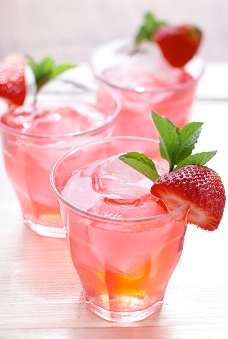 hen party ideas: easy cocktail recipes - iced tea